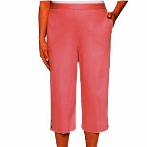 Alfred Dunner Pink Button Hem Capri Pants 10